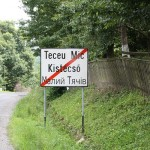 This part of Romania borders with Hungary and Ukraine so there road signs in all three languages